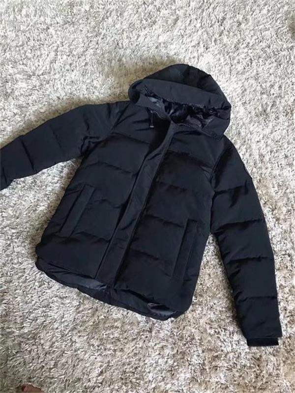 Tasarımcı Erkek Aşağı Ceketler Veste Homme Açık Kış Jassen Giyim Büyük Kürk Kapüşonlu Fourrure Manteau Aşağı Ceket Ceket Hiver Parka Doudoune