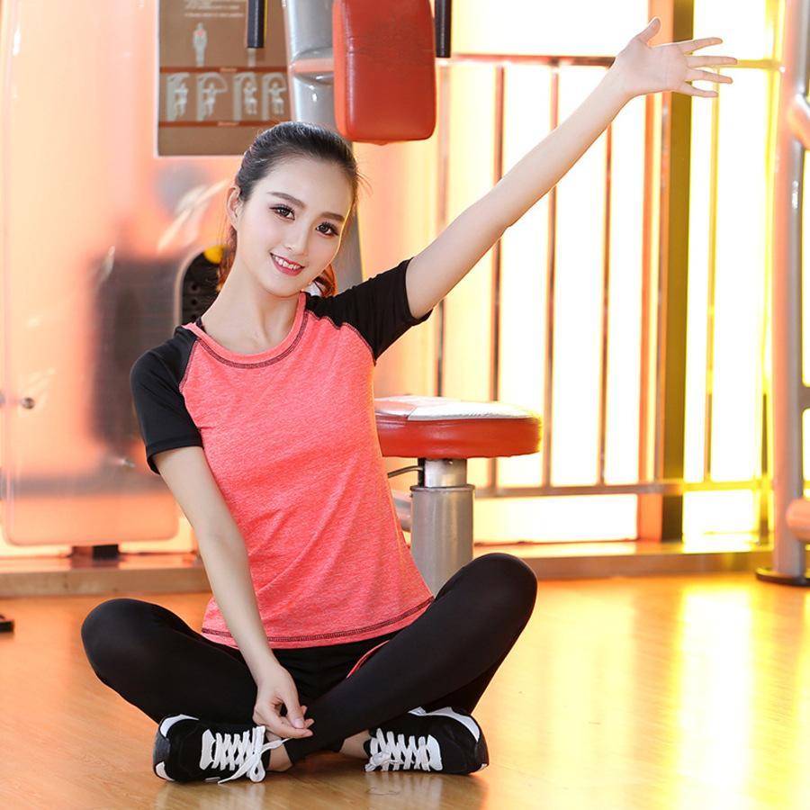New Net Summer Red Yoga Traje Fitness Correr Ropa deportiva Ropa de secada rápida para mujer Falso Pantalones de 2 piezas Sgox