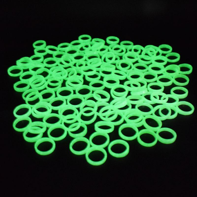 Cheapest plastic Luminous ring Halloween party dance masquerade decoration women band rings plastic green dff0575