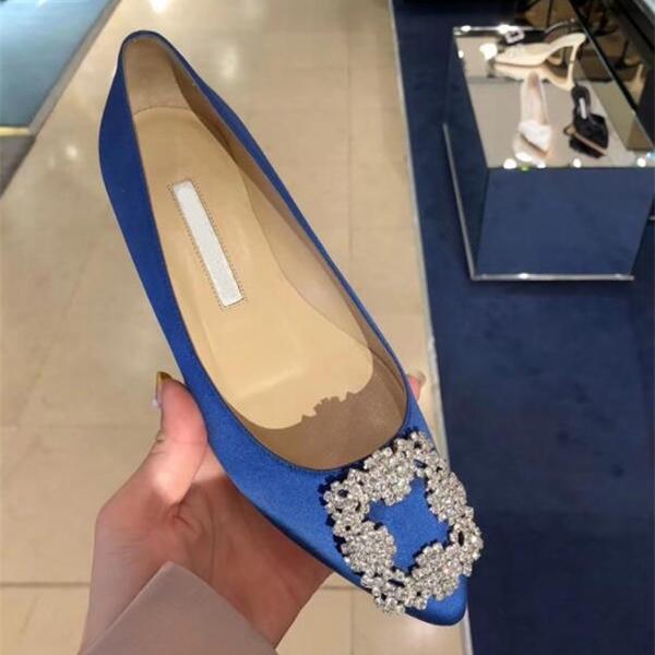 여성 플랫 신발 새틴 플랫 솔 펀딩 웨딩 신발 레드 신부 연회 라인 석 버클 단일 신발 35-42 C0508