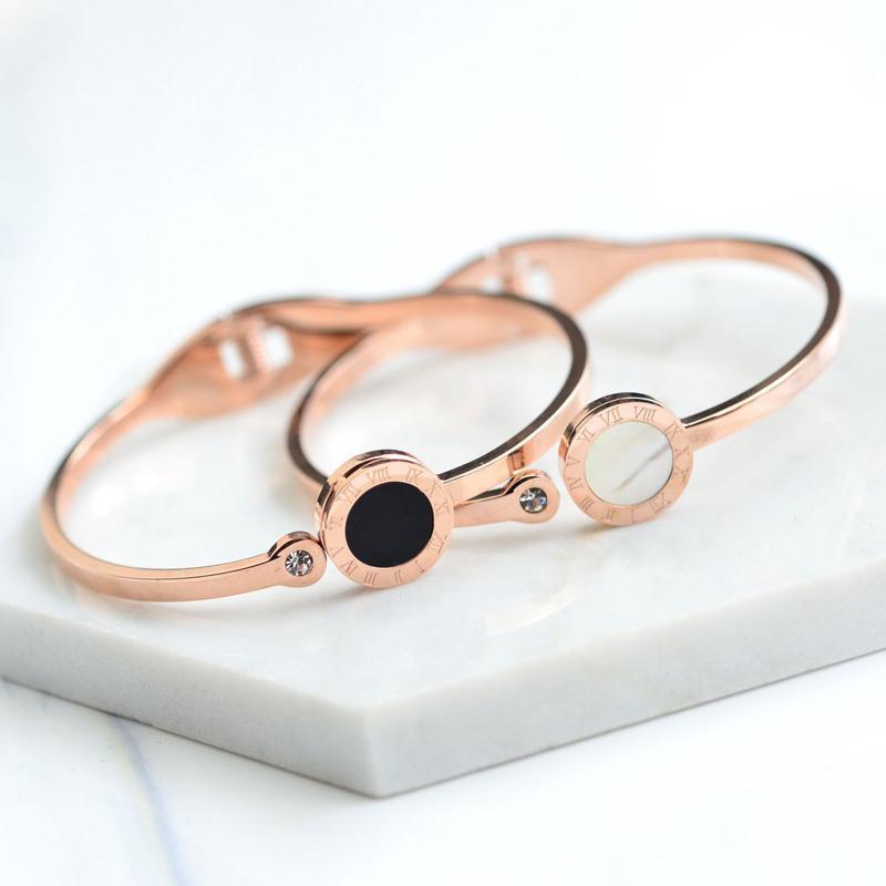 Roman Black And White Shell Rose Bangles For Women Titanium Steel -plated Bracelet Lovers Jewelry Gift Bangle