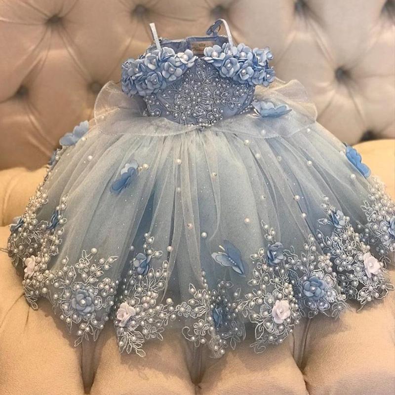 Vestidos de niña de la flor de las perlas azules del cielo ligero para los vestidos de bola de fiesta de bodas de longitud del piso de la primera comunión de tul