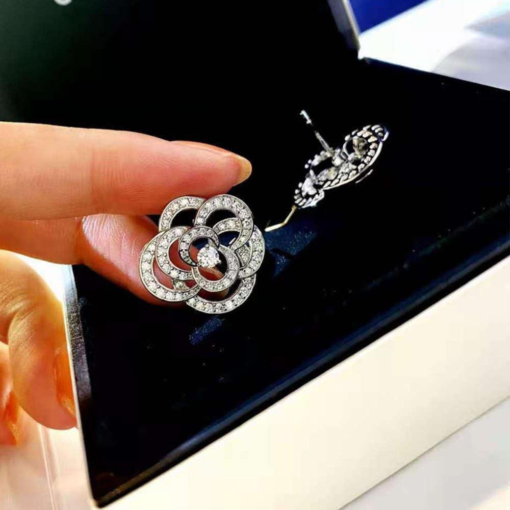 HBP Diamond Inlaid Rose Mountain Camelia Pendientes llenos de diamante 925 Plata Simple Simple Personalidad Net Red Women's Fashion Jewelry