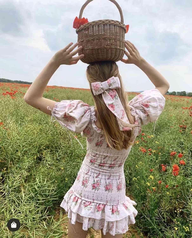 Boho LoveShackFancy Autunno Dress Autunno Beige Manica corta Ruffles Slim Holiday Ins Blogger Interesse speciale Mini Dress Donne
