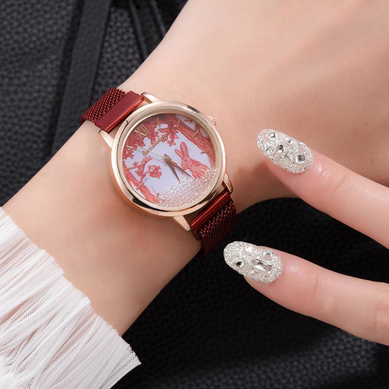 المعصم أزياء كوارتز ساعة سبيكة شبكة حزام الكرتون المطبوعة جولة الطلب عارضة للنساء بنات A66