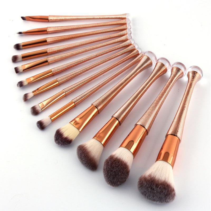 Pinceaux de maquillage 6/13PCS Un ensemble de filetage de visage cosmétique Foundation Fondeuse à paupières de paupière maquillage maquillage Maquiagem coton PAD DFDF