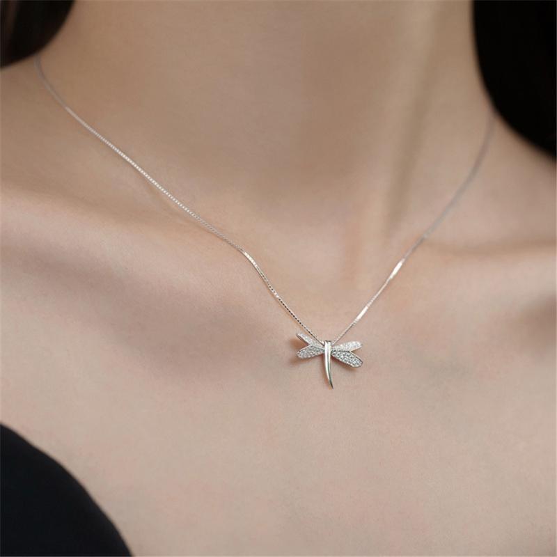 Collares colgantes 925 Sterling Silver Dragonfly Clavícula Cadena Insecto Diseño Simple Collar Femenino Dama elegante