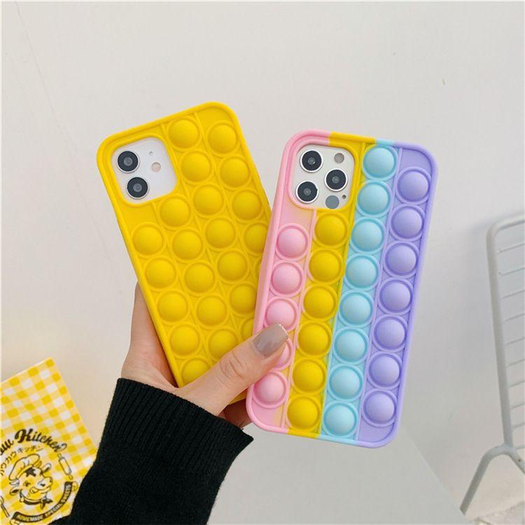 Pop IT Push Bubble Cases Cover für iPhone 13 12 PRO MAX 11 XR 78 Plus Zappelabzug Stress Silikon 100pcs / lot