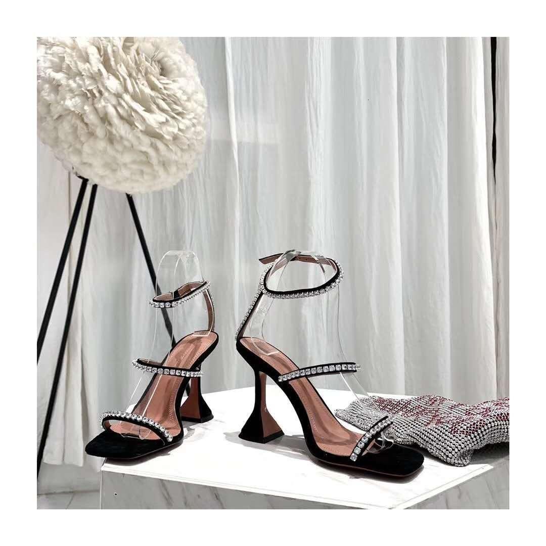 Sandalet Mükemmel Resmi Kalite Amina Ayakkabı Hakiki Deri Muaddi Topuklu Sandal Kadın Slingback Ayak Bileği Kayışı Açık Toe Crystal 1 8Z8T