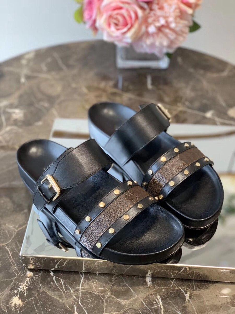 2021 Bayan Terlik Kadın Slaytlar Terlik Yaz Seksi Sandalet Erkek Luxurys Tasarımcılar Gerçek Deri Platformu Sandalet Flats Moda Eski Çiçek