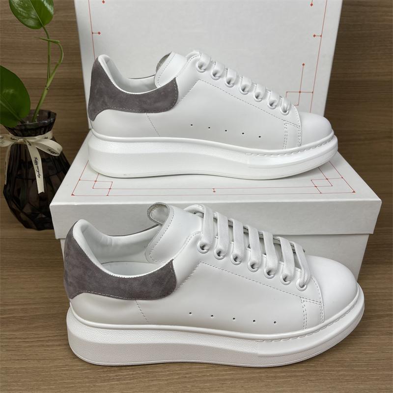 2022 Plate-forme de mariage de qualité supérieure Chaussures décontractées Fête Fête Fête Mens Femme En Cuir Velours Noir Blanc Blanc Bleu Formateurs Sneakers Wit Box Taille 35-45