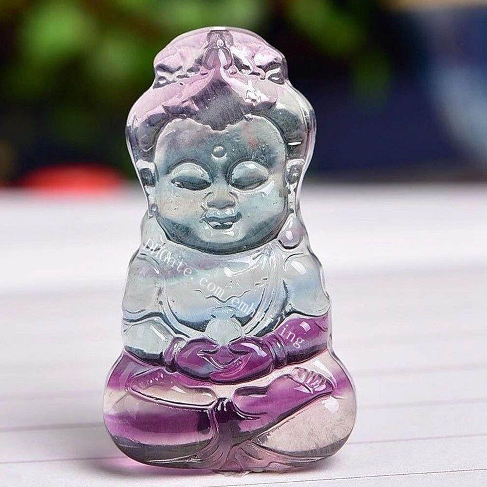 Manuale Meditazione Femmina Buddha Statua Pendente religioso Bodhisattva Quan Kwan Yin Protezione Amuleto Amuleto Fatto di Arcobaleno Fluorite Gemstone Guarigione cristallo