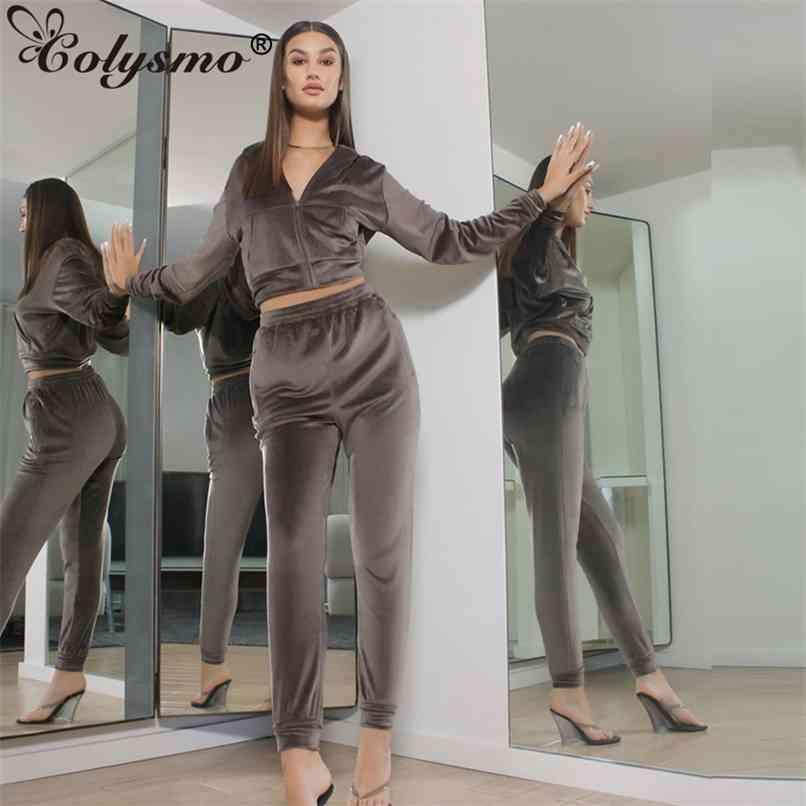 Correspondência de veludo conjuntos com zíper bolso recortado capuz elástico cintura de moletom loungewear mulheres tracksuit dois peça roupas 210521