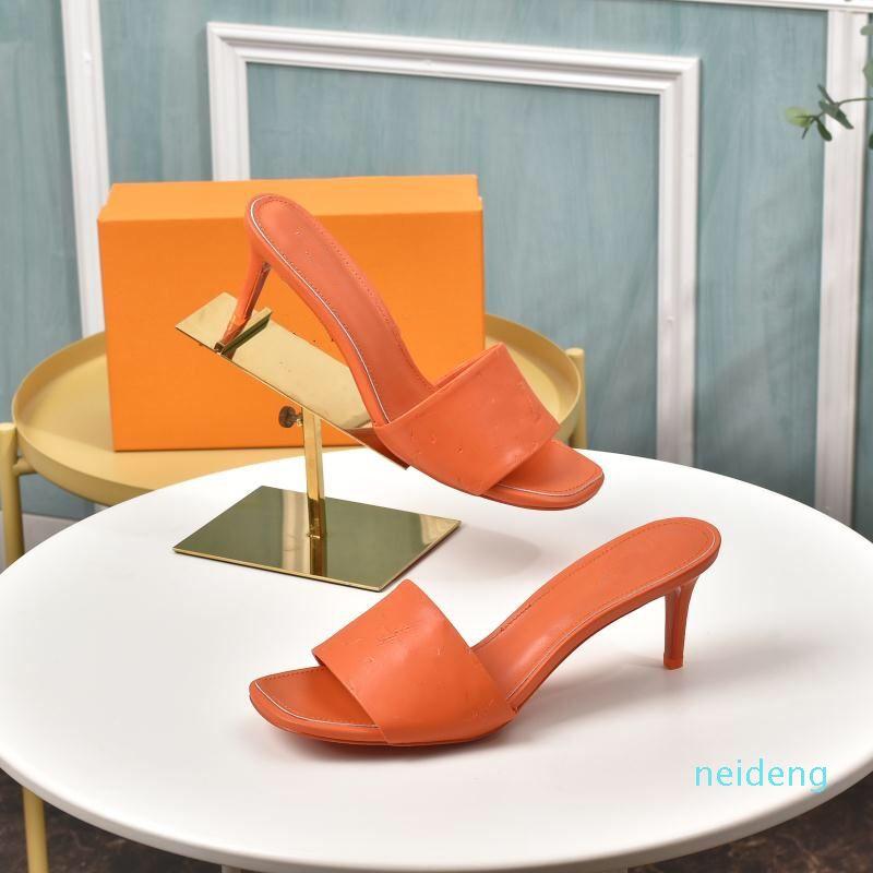 Zapatos de alta calidad Sandalias abiertas de moda Tacones altos de verano Sandalias de color sólido simple con caja y bolso de polvo HEEL 2021