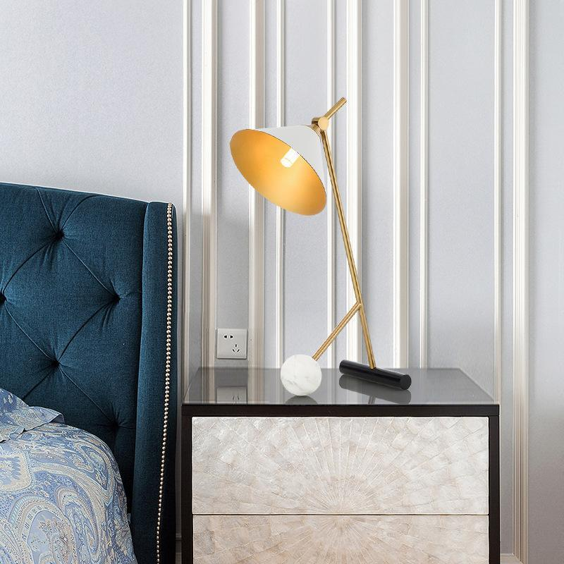 Table Lamps Led Lamp Luxury Metal Desk Designer Creative Iron Bracket Reading For Living Room Bedroom Home Deco Lampara De Mesa