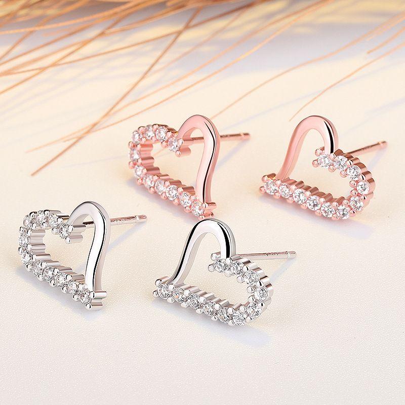 V-420 Korean Small Earring Fresh Jewelry Hypoallergenic Cubic Zirconia Love Heart S925 Silver Needles Stud Ear Girlfriend Gifts 216 W2