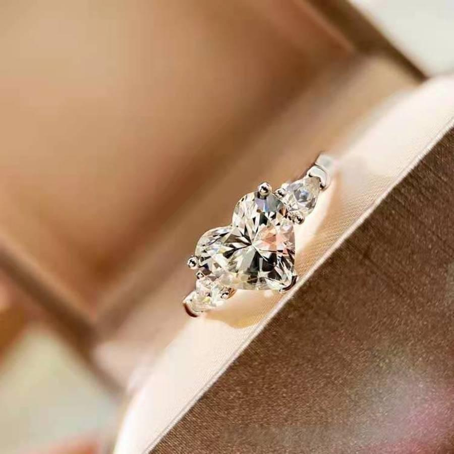 Los productos de Wini's Girls venden WellGirls Fashion Simple Diamond HeartGirlsShaped Circon Anillo de compromiso para las mujeres P5OT