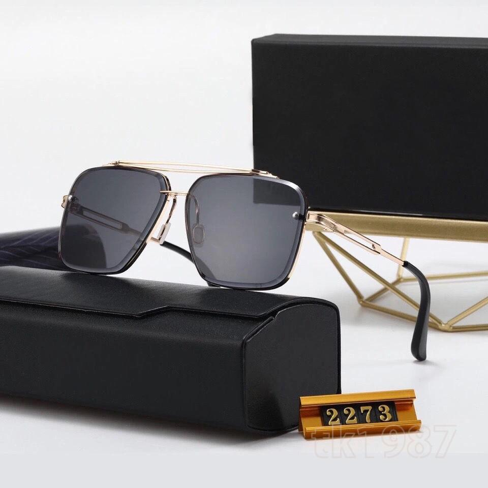 Tasarımcı En Kaliteli Erkek Ve Kadın Güneş Gözlüğü Moda Stil UV400 Lensleri Gözleri Koruyabilir, Annem Tatil Tatili Sürüşü İçin Uygun Bir Hediye Verebilir