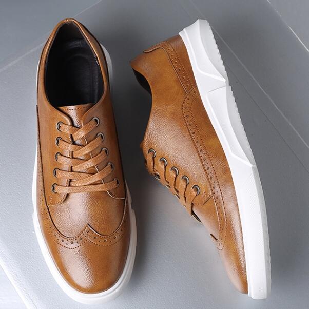 الرجال عارضة الأحذية الذكور الأزياء الدانتيل متابعة الأحذية مريحة في الهواء الطلق المشي أسود أبيض يعمل 2021 مكتب الجلود