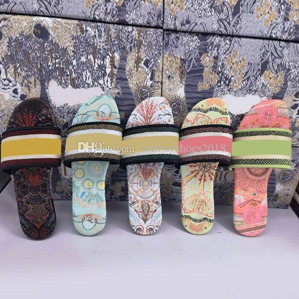 Classic 2021 Flower Lusso Desginer Pantofole Donne Donne Designer Fashion Slides Flip Flops Luxurys Sandali da donna di alta qualità Sandali Sildi Signore con la scatola Dimensione 35-43