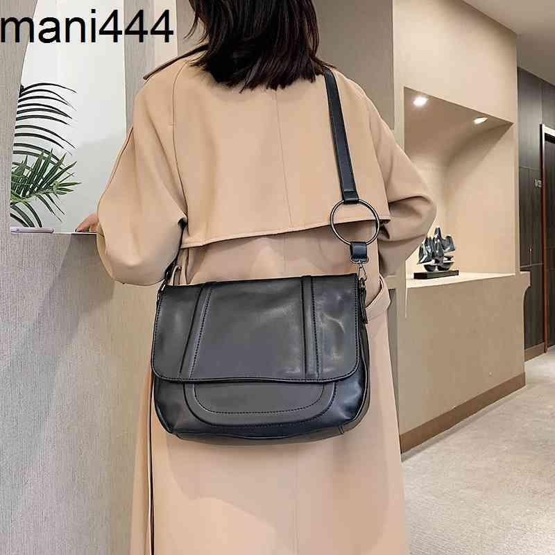 Herbst und Winter Große Kapazität Frauen 2021 Neue Mode Beliebte weiche Mädchen Tasche Koreanische Stil Textur Temperament Crossbar Tote