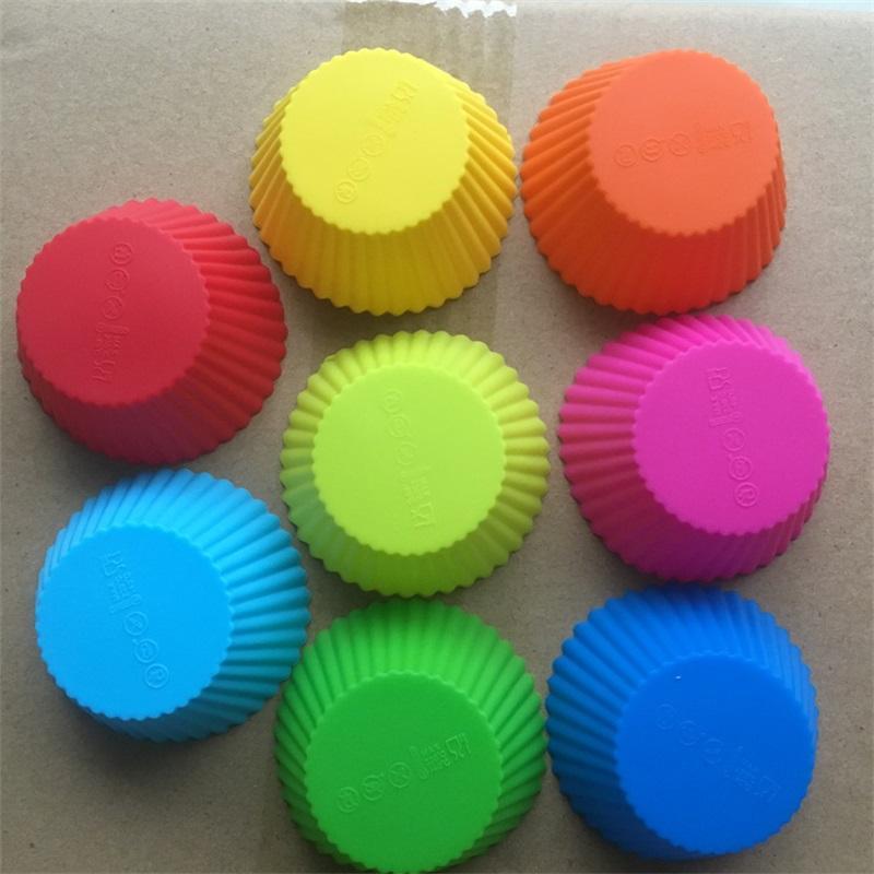 Новая мода 7см круглые формы силиконовые кексы чехлы для пирожного кекса вкладыша выпечки прессформы 7 цветов выбирают свободно 449 v2