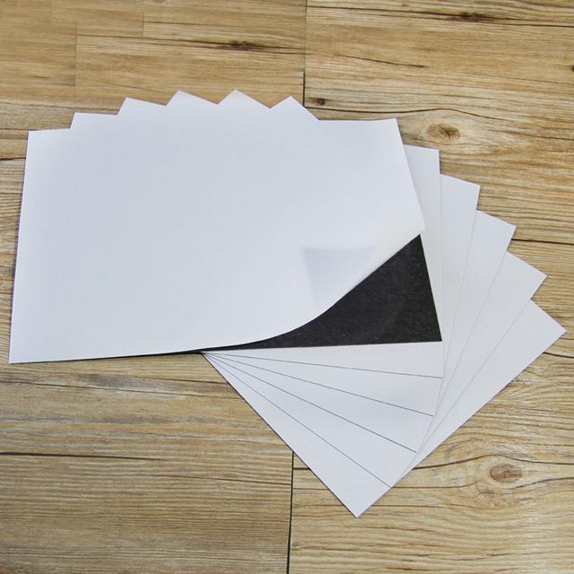 Blackboards 5 ADET A4 Boyutu 0.5mm Kendinden Yapışkanlı Esnek Büyülü Sac Spellbinder Ölür Araba / Sergi / Reklam Kauçuk Magnet Kurulu