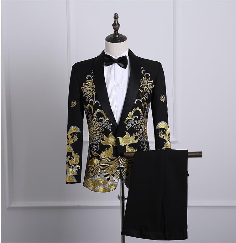 Abiti da uomo Blazers maschi maschio Tre-Piece Set Set Set Scialle Risvolto in oro ricamato Stampa oro Prom Dress Stage Singer Performance Costume da uomo
