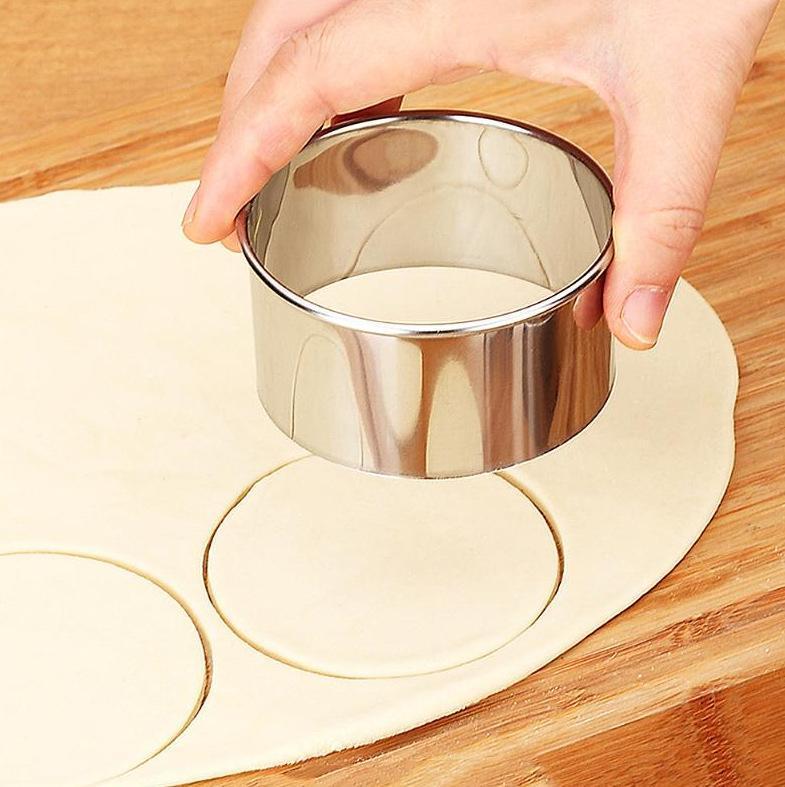 Ferramentas de molde de pele de bolinho de bolinho de aço inoxidável Pressionado corte de três peças conjunto de bolo decorando pastelaria de cozimento