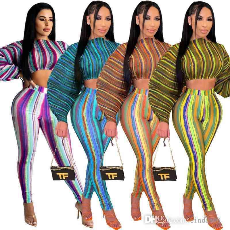 Tasarımcı Kadın Eşofman Kravat Boya Kısa Kollu T Gömlek Pantolon 2 Parça Set Şort Yan Hollow 2021 Yeni Yaz Bayanlar Surta Giysileri