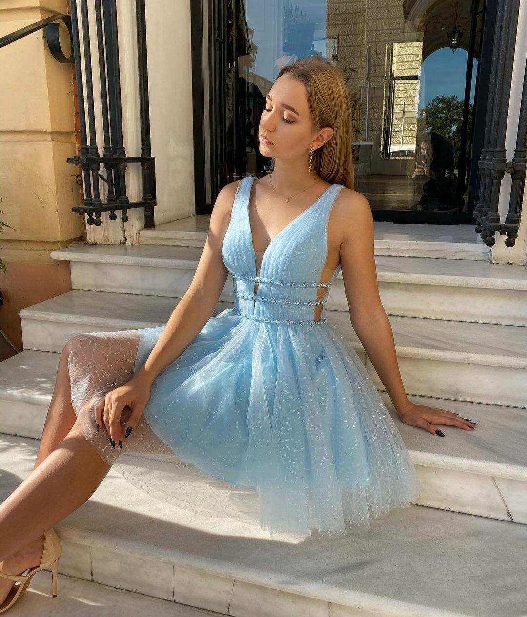 BlingBling Sequins Tulle Short Homecoming Dresses V Neck Beaded Sash Club Party Cocktail Gowns Backless Sexy Special Occasion Vestidos