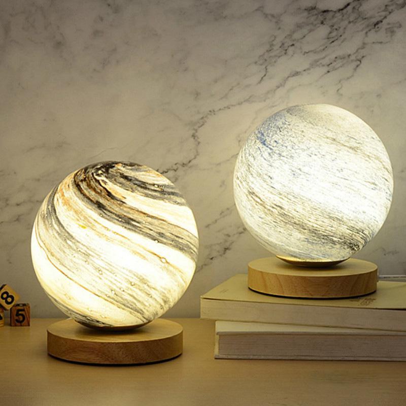 휴일 장식 테이블 라이트 북유럽 단순성 문 크리 에이 티브 램프 침실 거실 ins 스타 침대 옆 낭만적 인 생일 선물 램프