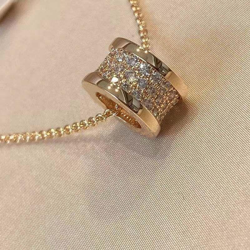 럭셔리 패션 다이아몬드 펜던트 고품질 슬라이딩 원통형 목걸이 크리 에이 티브 디자인 쥬얼리 절묘한 포장 상자