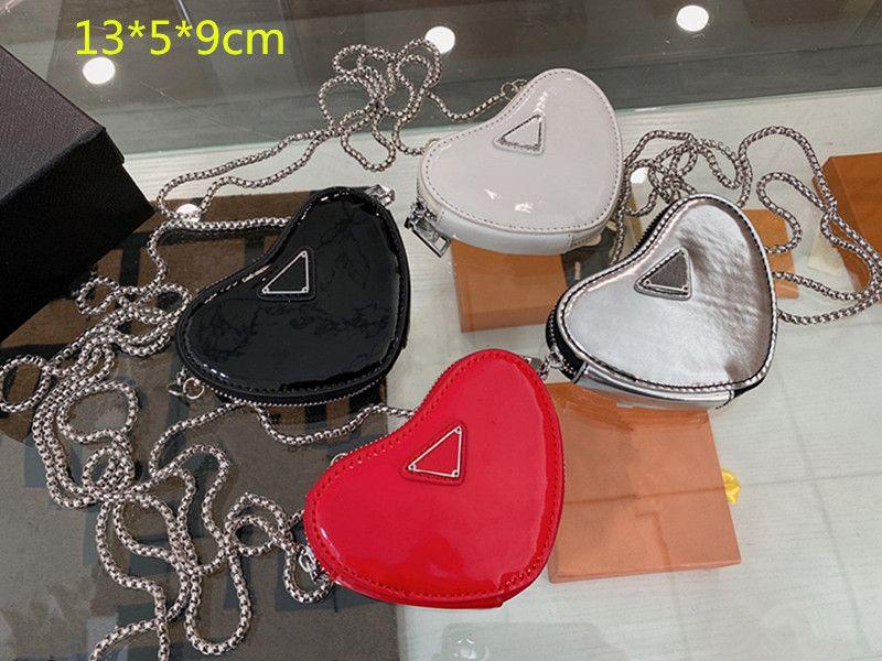 디자이너 미니 심장 크로스 바디 체인 가방 럭셔리 여성 하트 지갑 지갑 패션 소녀 단일 어깨 지갑 특허 가죽 지퍼 귀여운 스타일 2021 PD21040201