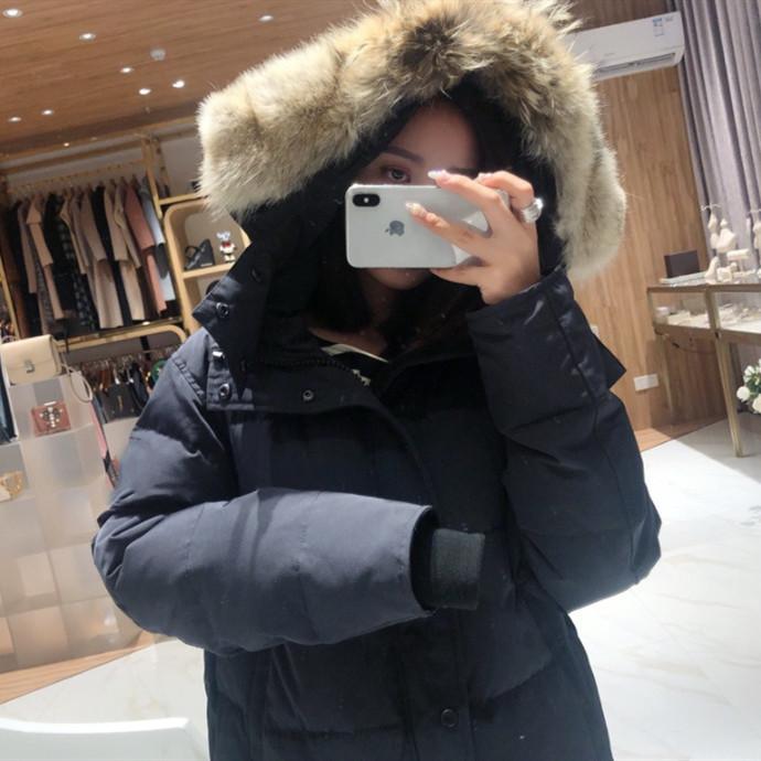 Kadın Aşağı Ceket Parkas Zarif Kadın Kış Orta Uzun Ceketler Kapüşonlu Gerçek Kurt Kürk Yaka Mont Kalınlaşmak Wadded Sıcak Artı Boyutu 3XL Coat 7 Stil Seçmek için
