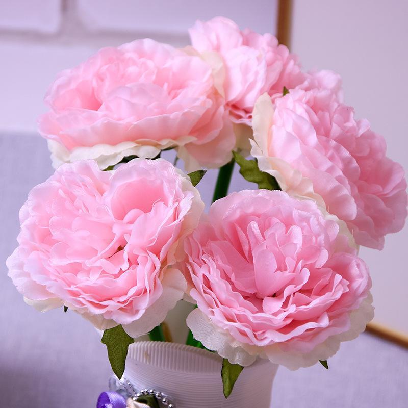 Main tenant la rosée Lotus Bride Fleurs de la maison Décoration Faux fleur Simulation Bouquet (5 Fleurs / Bouquet) Couronnes décoratives