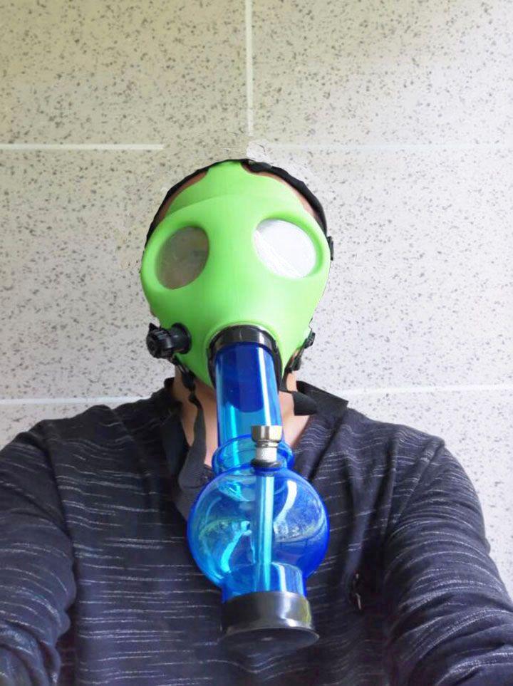 Gasmaske mit Acrylraucher Silikonrohr Tabacco Rauchrohre Rauchzubehör für Rauchspeive Gravshop