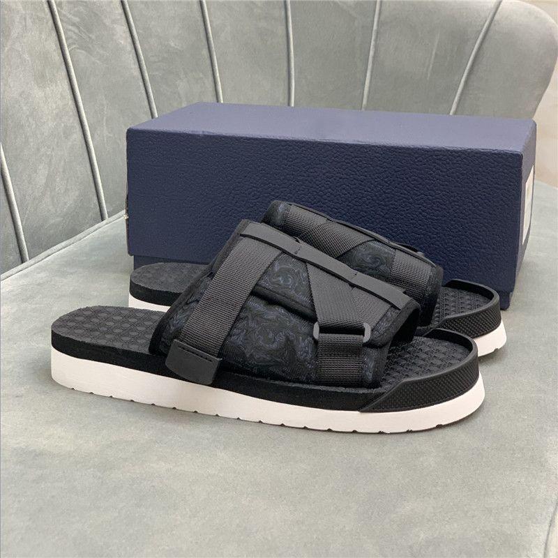 2021 남자 Sippers 알파벳 샌들 정품 가죽 붕대 버클 비스듬한 여름 야외 플립 플롭 플랫폼 캐주얼 슬리퍼 신발 상자