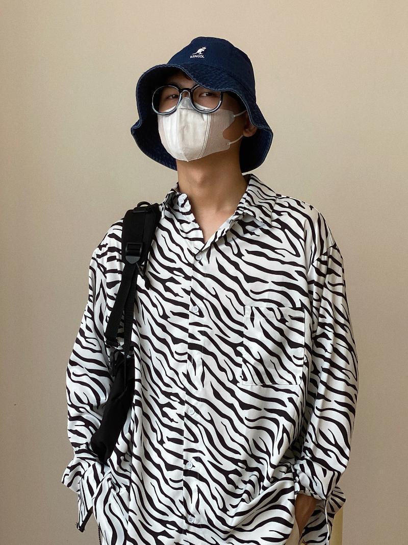 남성 여름 캐주얼 코 튼 동물 셔츠 인쇄 기계 하라주쿠 줄무늬 스탠드 칼라 슬리미트 후드 Camisa 셔츠 Eg50sh 남자