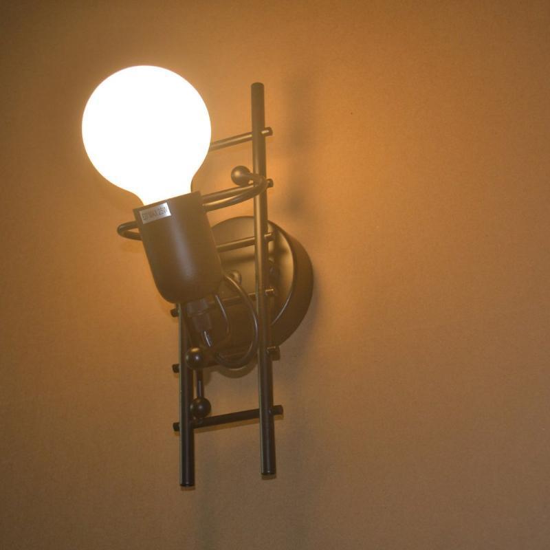 크리 에이 티브 디자인 고품질 재료 휴머노이드 실내 벽 램프 레트로 거실 침실 decoratio 성격 철 로봇