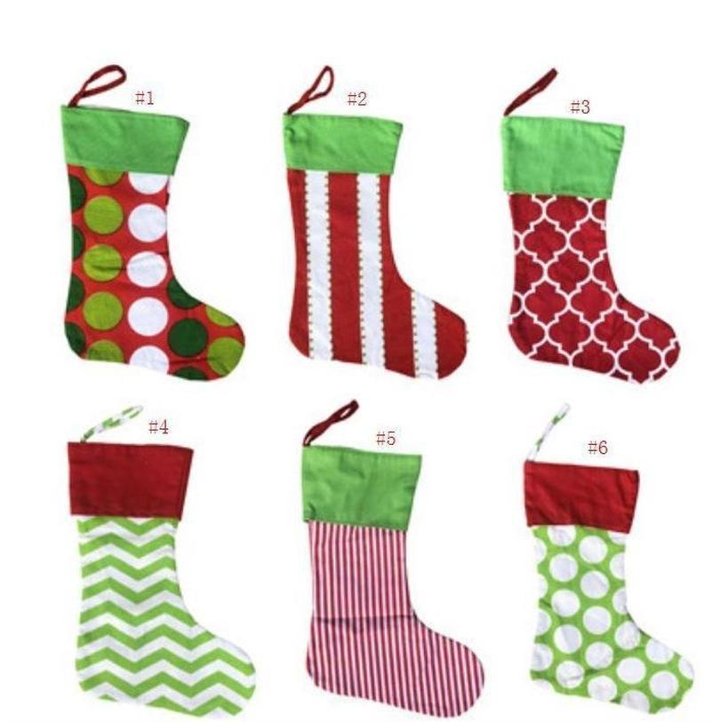 Novos desenhos meia de natal bordado personalizado meia saco presente xmas árvore ornamento de doces família feriado Stocking 2021 Últimas