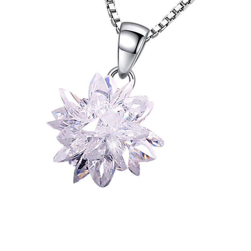 Collares colgantes de cristal de flores para mujeres Zircon All-Match Clavícula Clavícula Accesorios de joyería