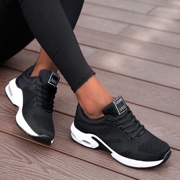 Sapatos casuais ao ar livre das mulheres. luz, com plataforma de caminhada, preto