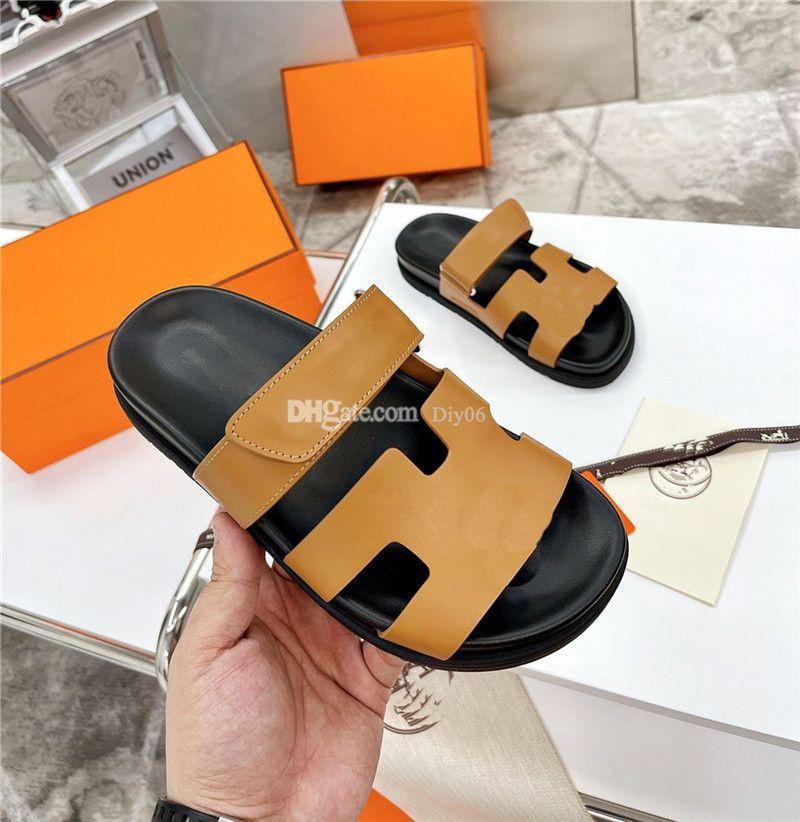Clássico Mulheres Designer Sandálias de Luxo Verão Flats Moda Slipper Sexy tornozelo Botas Altas Botas Chinelos Gladiador Sandal Womens Sapatos Casuais Senhoras Praia Romana Slides