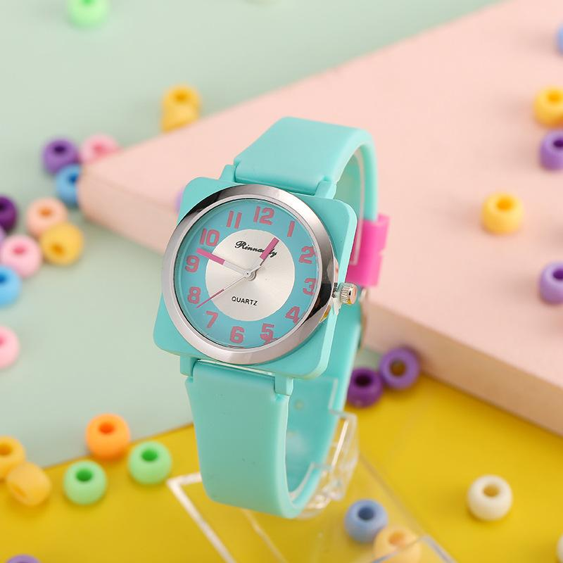Cute Classic Candy Square Disign Zegarek Dla Dzieci Zegarki Kreskówka Silikonowy Zegar Kwarcowy Kolorowe Prezent Dzieci Uczeń Sportowa Godzina Dla Dziewczyn Reloj Montre