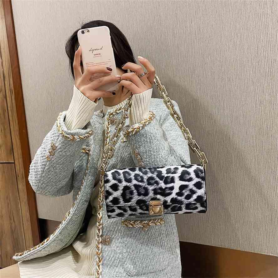 Textura de moda francesa 2021 Nova pequena cadeia de mulheres mistura straddle único saco de ombro estilo bolsa