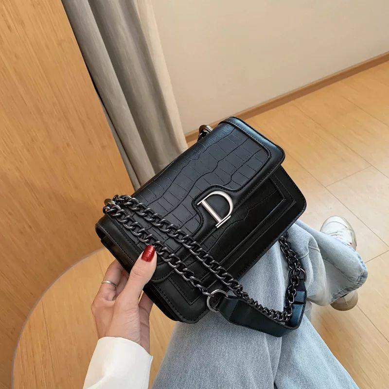 PB0019 패션 편지 D 잠금 PU 가죽 체인 단일 어깨 가방 메신저 가방 핸드백 여성 화이트 블랙 레드 3colors