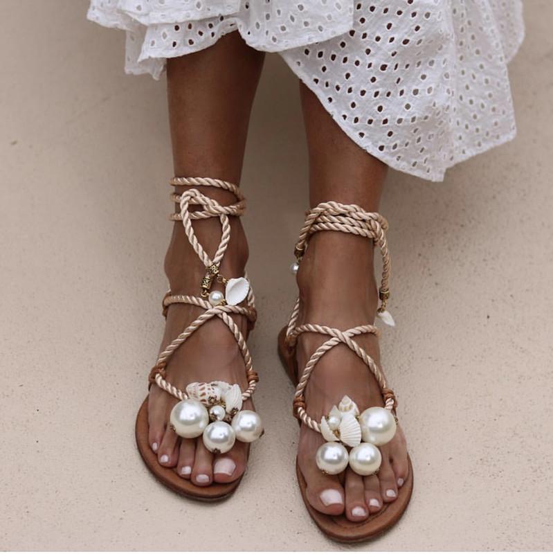 Fashion Summer Women Cross Sandales à lacets avec perle Flip Flop Appartements Plage Fête Robes Chaussures Roman