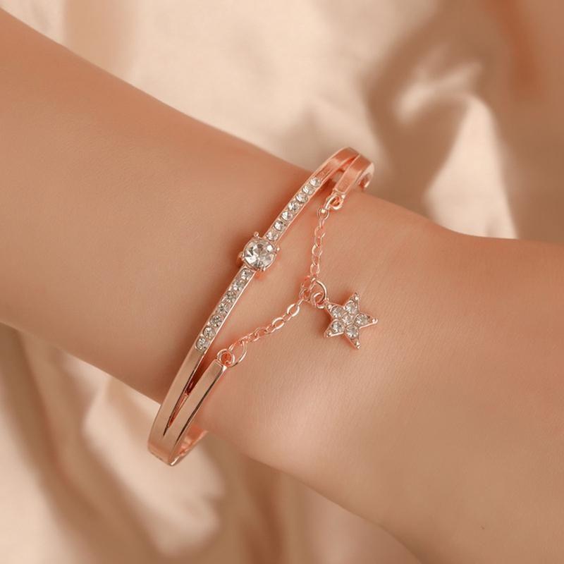Charm Bracelets Womens Watch Luxury Rose Gold Star Bracelet Elegant Women Quartz Wristwatch Bangle Gifts