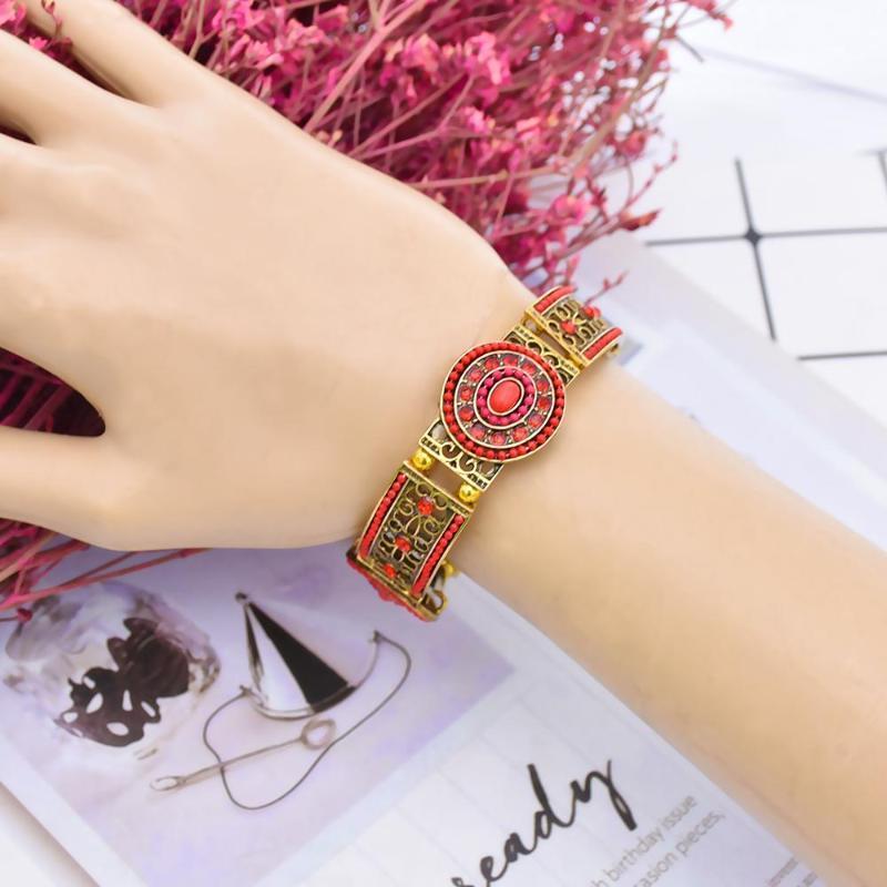 Braccialetto bohémien con strass e catene di pietre preziose intagliato braccialetto di gioielli di moda vuota. Perline, fili